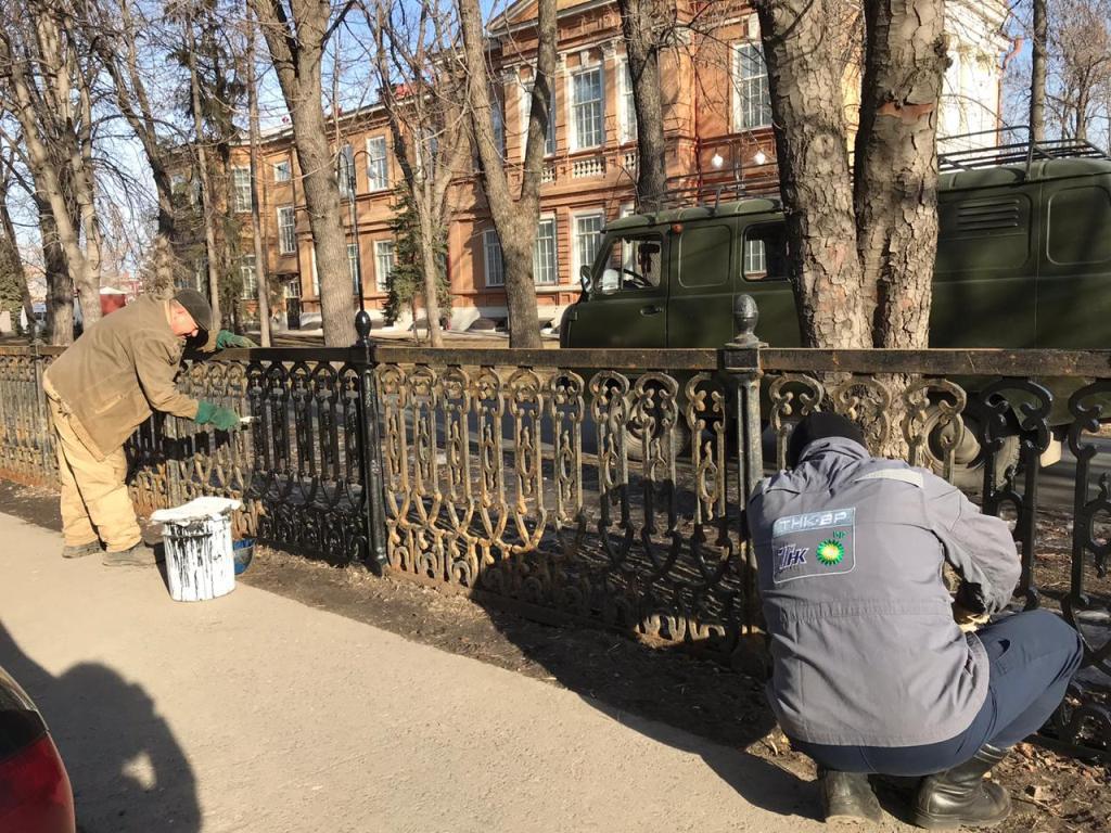 Начались восстановительные работы ограждения в сквере им. Радищева