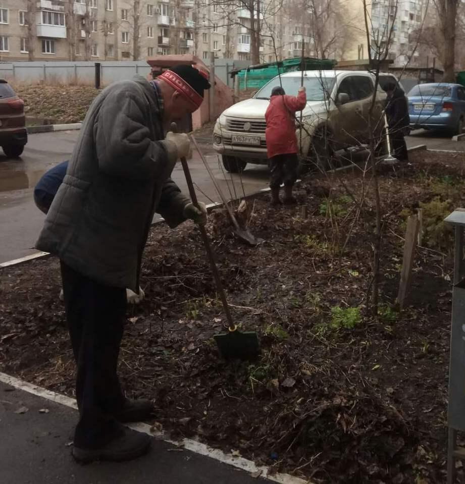Жители Фрунзенского района приняли участие в Общегородском субботнике