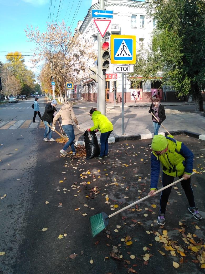 К работам по благоустройству Кировского района привлечено более 650 человек