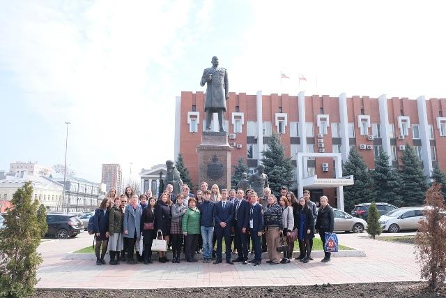 В Саратове наградили победителей городской научной конференции