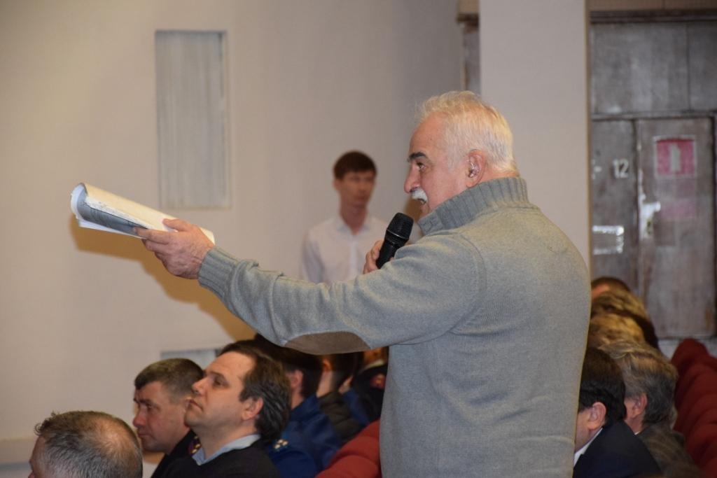 Глава Саратова встретился с жителями Заводского района