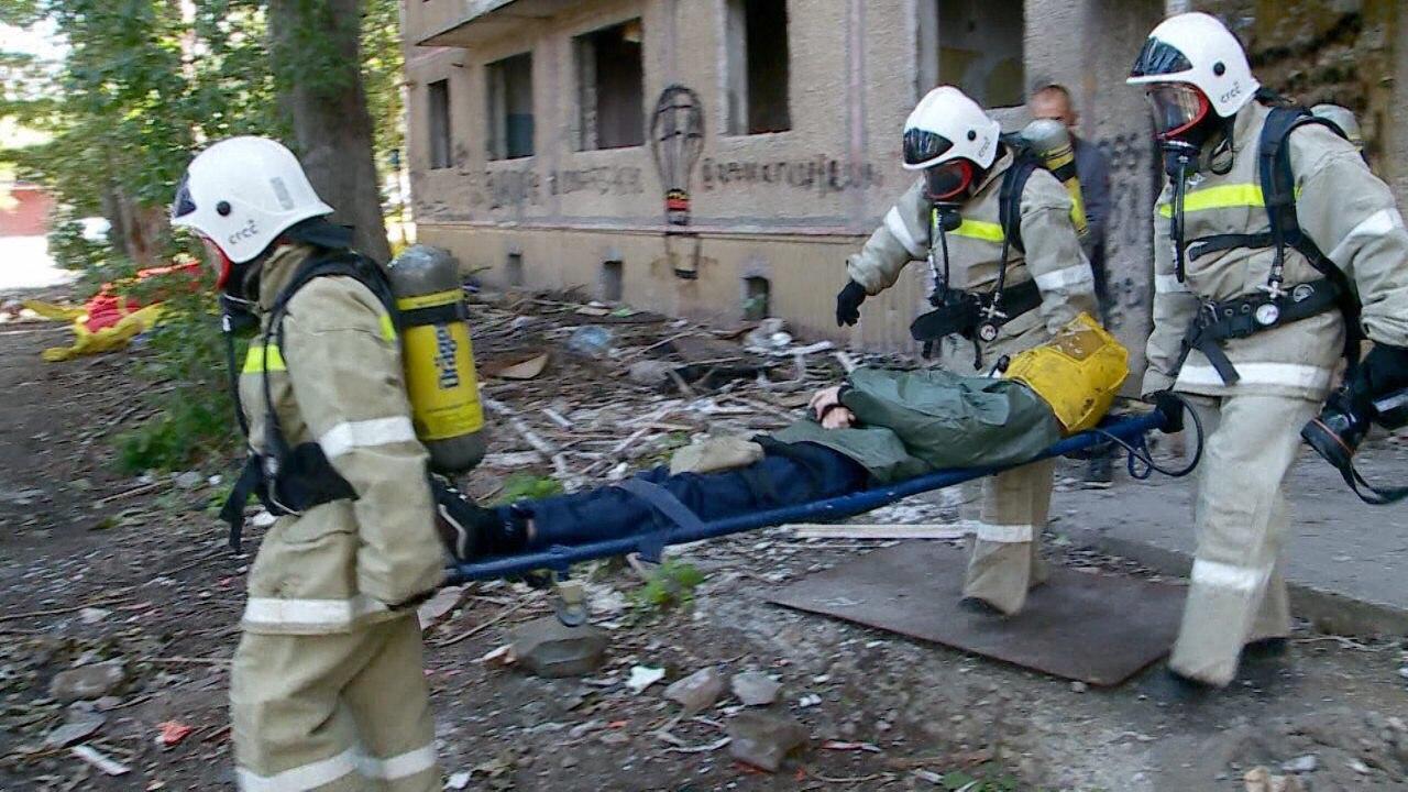 В Саратове прошли плановые учения спасателей