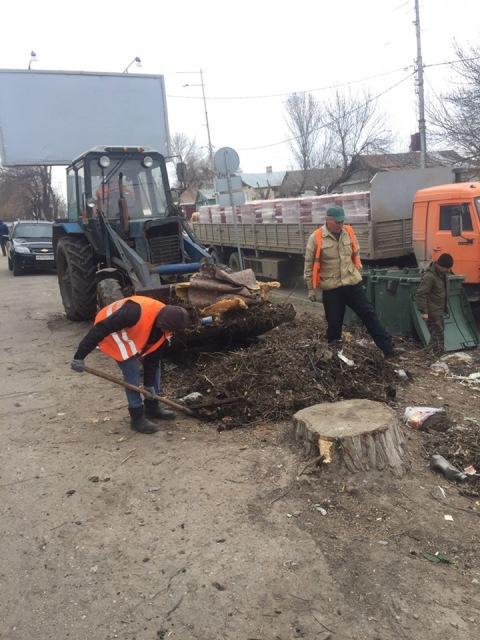 В Кировском  районе продолжаются работы по очистке территории