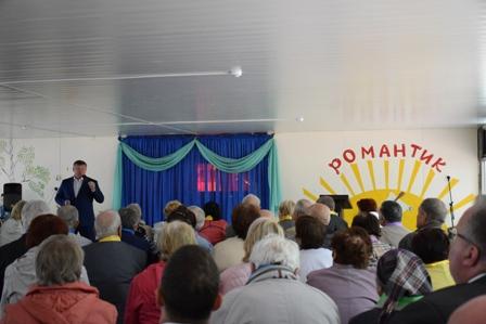 Глава города встретился с представителями старшего поколения Волжского района