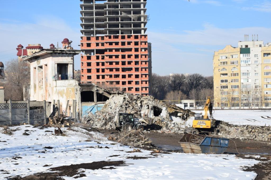 Михаил Исаев проинспектировал ход работ на стадионе «Спартак»