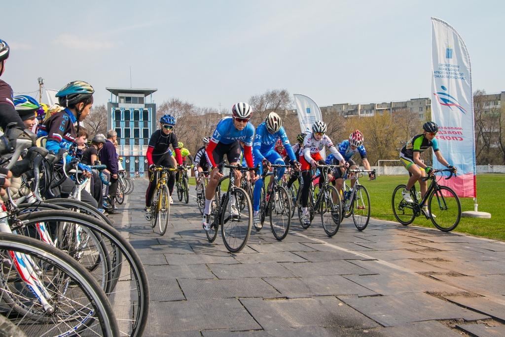 В Саратове прошли соревнования по велосипедному спорту