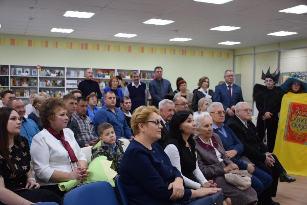 В Саратове торжественно открыли обновленные библиотеки