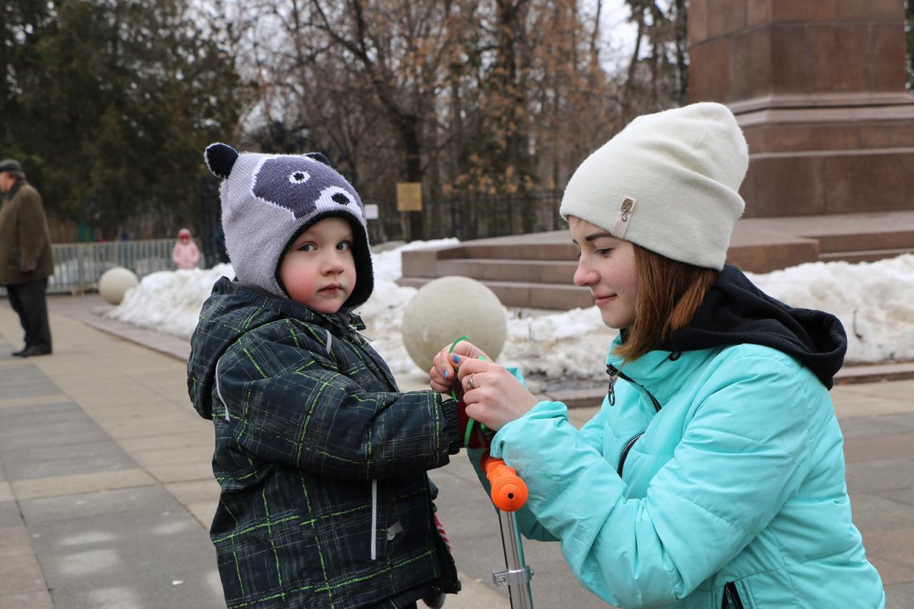 В центре Саратова продолжилась акция «Крымская весна»