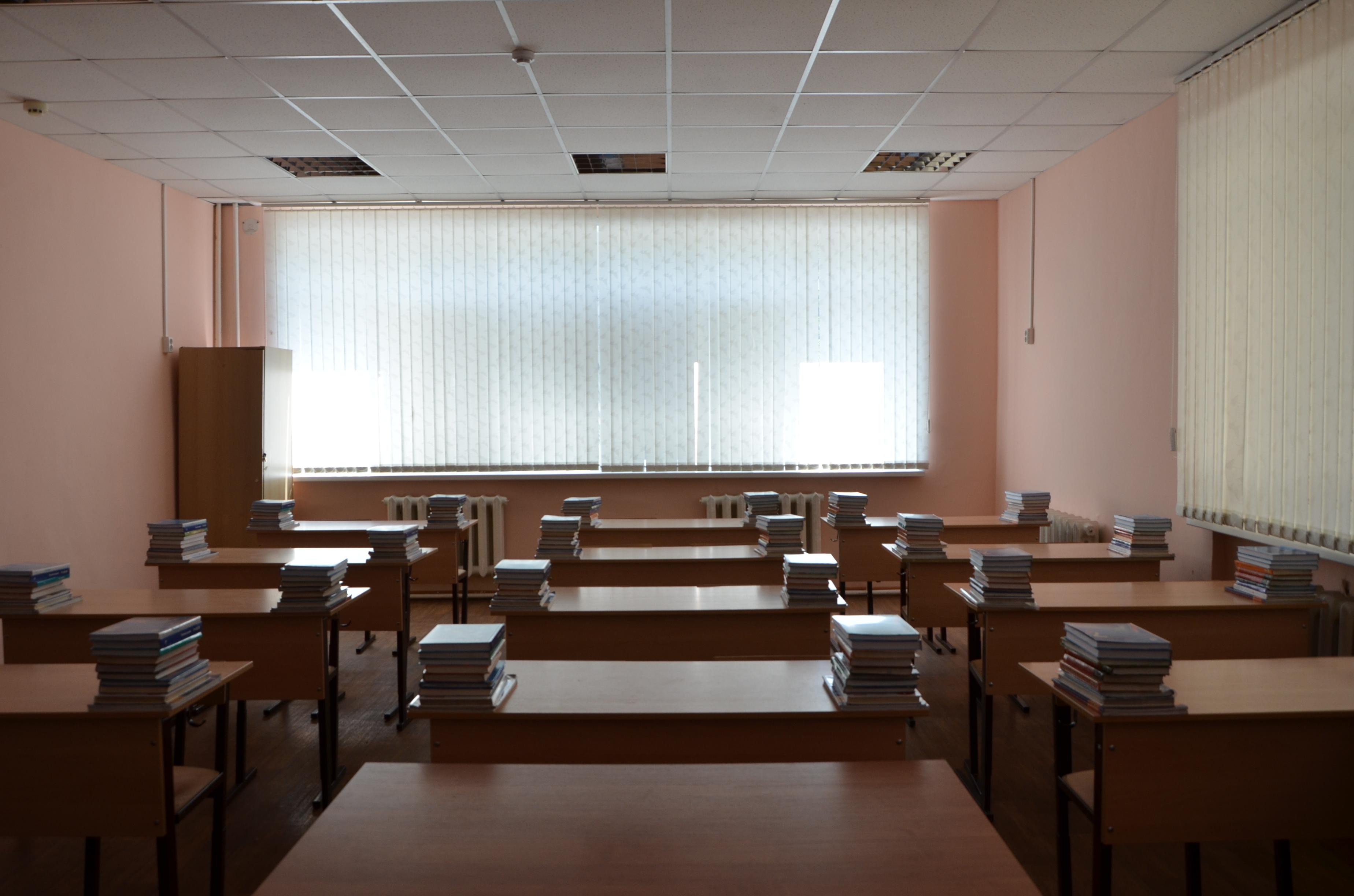 Подготовку образовательных учреждений к новому учебному году проверил глава города Михаил Исаев