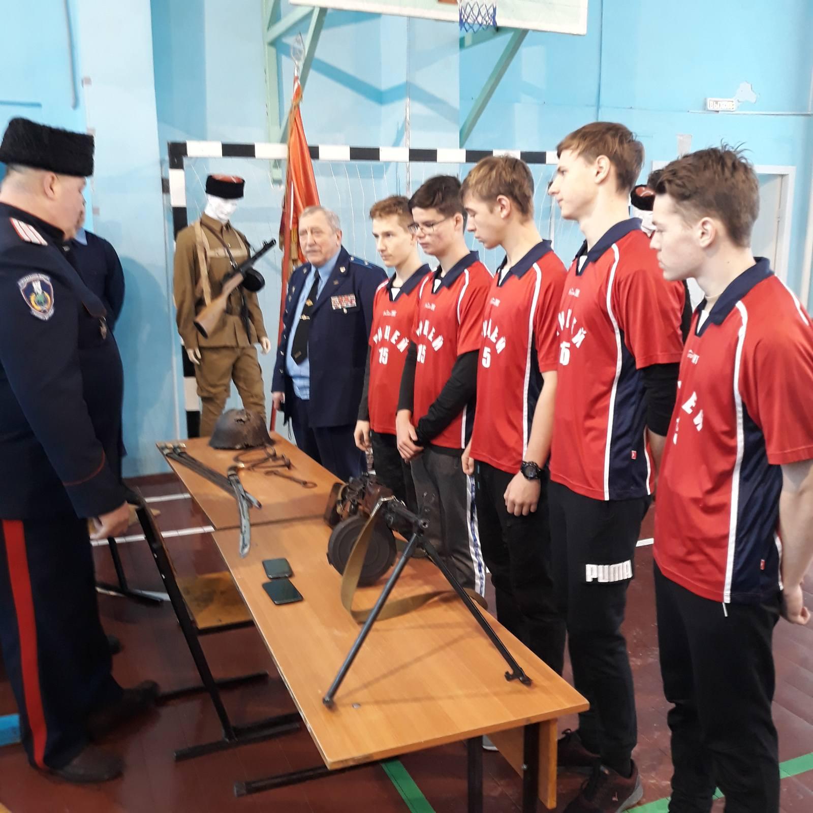 Состоялась военно-спортивная эстафета среди учащихся школ Заводского района