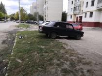 Сотрудниками управления муниципального контроля городской администрации выявлено 14 нарушений за размещение транспортных средств на газоне