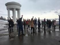 В рамках фестиваля «Крымская весна» в Саратове состоялся танцевальный флешмоб