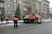 Продолжается очистка городских улиц