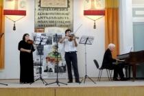 В зале Саратовской областной универсальной научной библиотеки прошел вечер «Мы помним…», посвящённый Дню памяти и скорби