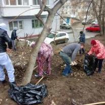 Ленинский район присоединился к общегородскому субботнику