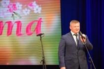 Глава города Михаил Исаев поздравил саратовчанок с 8 Марта