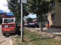 В Саратове продолжается ремонт тротуаров