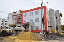 Михаил Исаев проинспектировал ход работ по строительству и реконструкции социальных объектов в Саратове